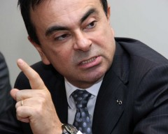renault-ghosn-in-3-5-08_100145029_l.jpg