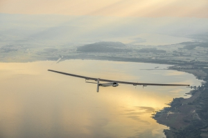 Solar_Impulse_2_HBSIB_2014_06_02_FirstFlight_revillard_78_Lac.jpg