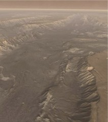 Mars3-vallesMarineris.jpg